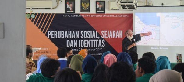 """Bincang Santai HIMASOS Bahas """"Perubahan Sosial, Sejarah dan Transformasi Identitas"""""""